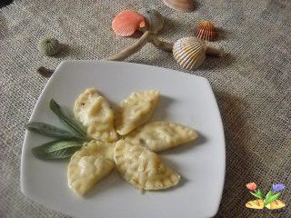 tortellini con stoccafisso patate e olive nere
