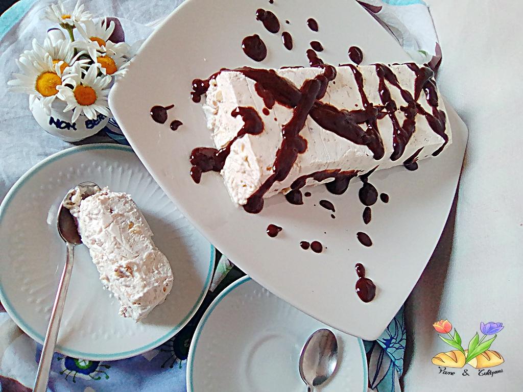 parfait al torrone con cioccolato e salsa al tarassaco