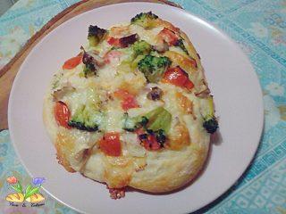 pizza bianca con broccoletti