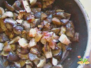 risotto cremoso ai funghi porcini e pancetta