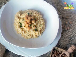 risotto al curry con crema di ceci