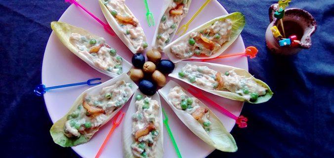Barchette di belga con tonno e piselli