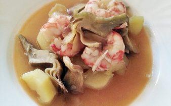 zuppa di gamberi patate e carciofi.