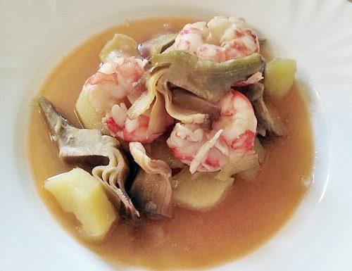 Zuppa di gamberi patate e carciofi