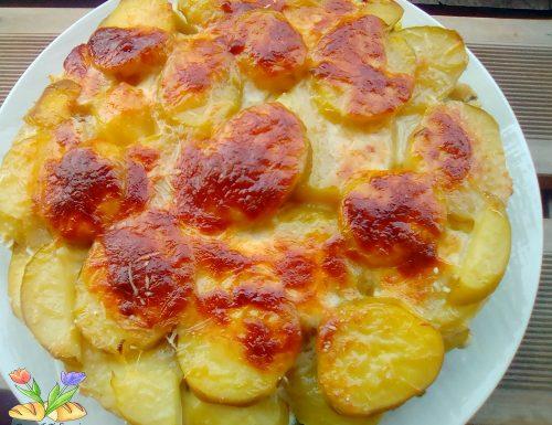 Tortino di patate pollo e piselli