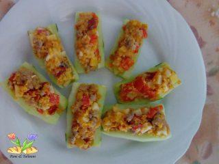 barchette di cetriolo alla mediterranea