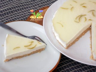 cheesecake al limoncello e topping al lime