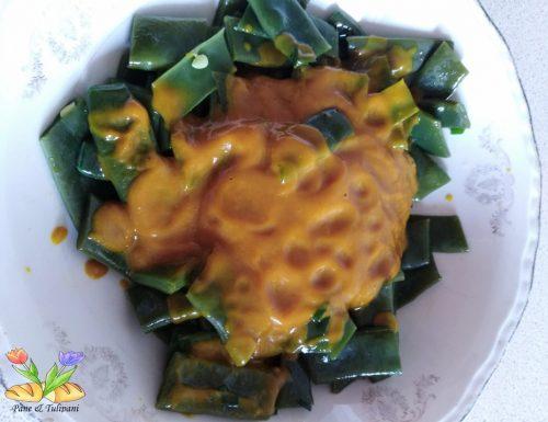 Taccole in salsa di pomodori gialli con curcuma