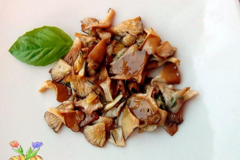 Imbutini fritti con aglio e timo