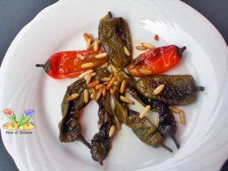 peperoni friggitelli con pinoli