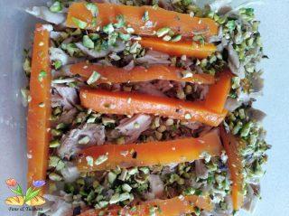 aspic di pollo con uova di quaglia e carote