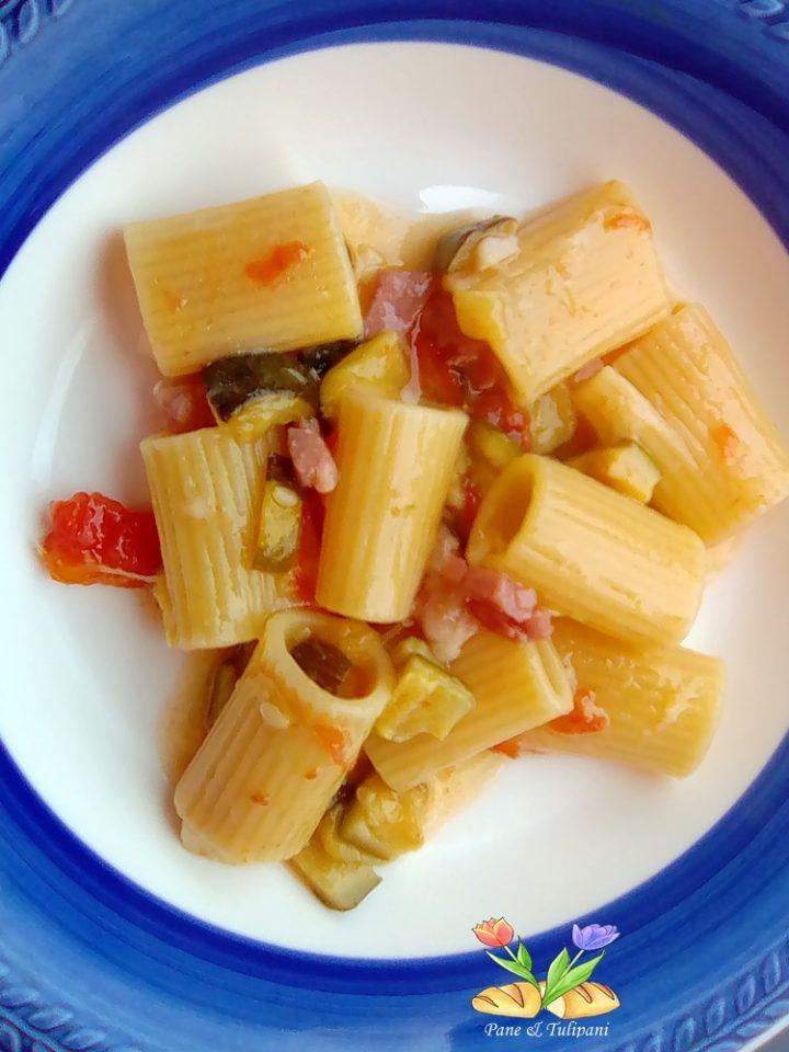 mezze maniche risottate con zucchine e speck