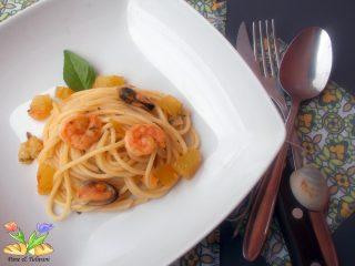 spaghetti cozze e pomodori verdi