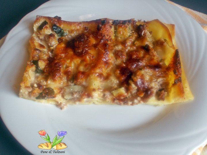 lasagne rosè con salsiccia e zucchine