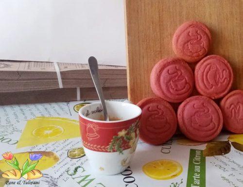 Biscotti di frolla rosè