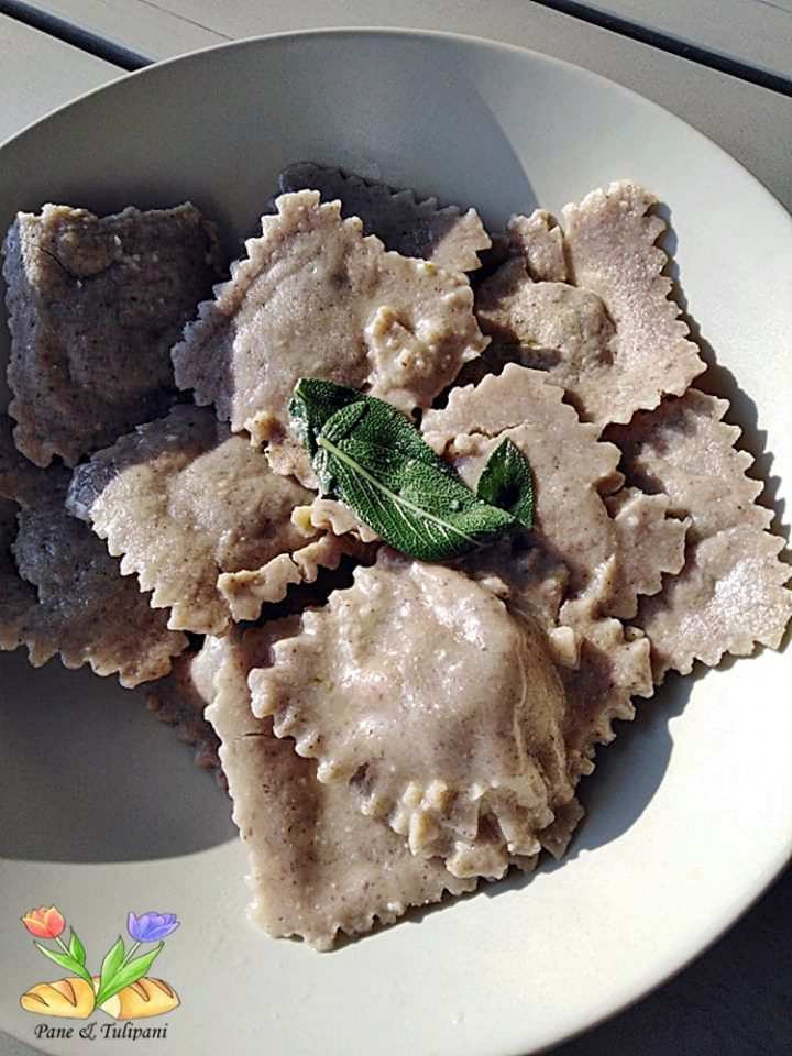 tortelloni grano saraceno con pollo e farinaccio