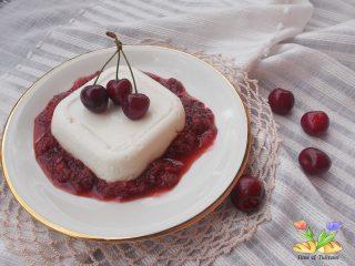 dolce biancomangiare alle ciliegie