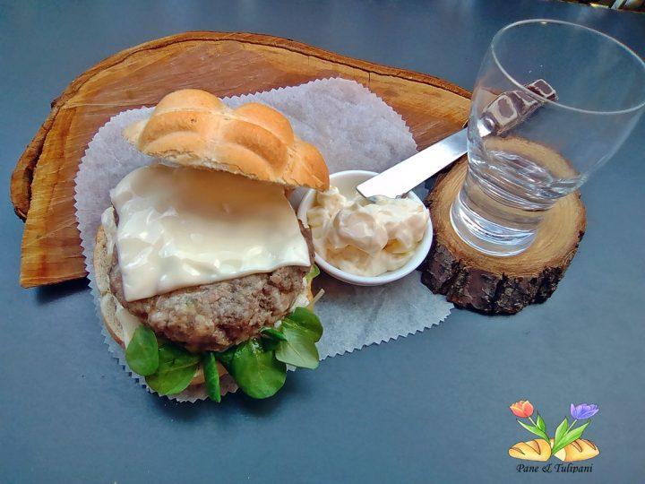 hamburger di manzo e pollo