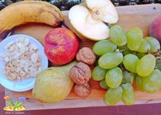 macedonia con frutta secca tostata