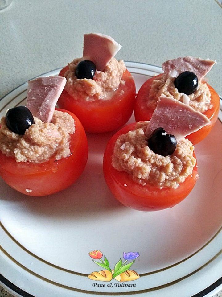 pomodori freddi ripieni di mortadella