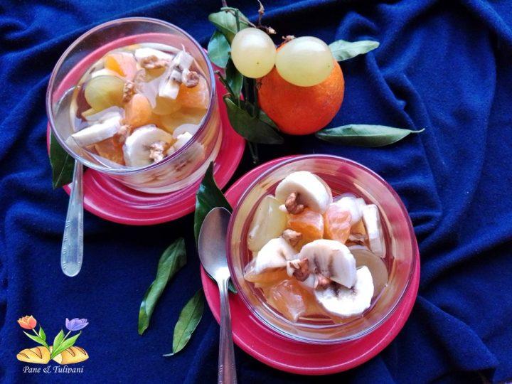 Macedonia con succo di mele