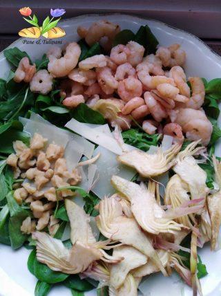 insalata mista con gamberetti