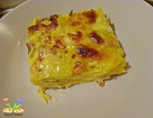 Lasagne con verza pollo e zafferano