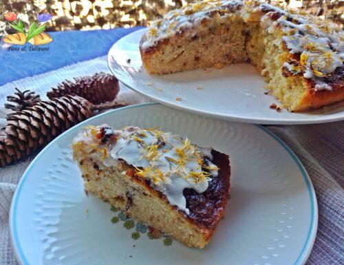 Torta con fiori di tarassaco e noci