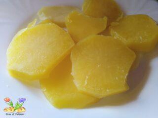 merluzzo con patate e cipolle bianche