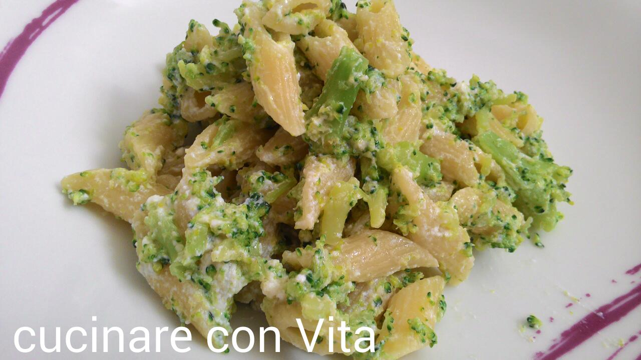 Broccoli gratinati al forno cucinare con vita for Cucinare broccoli