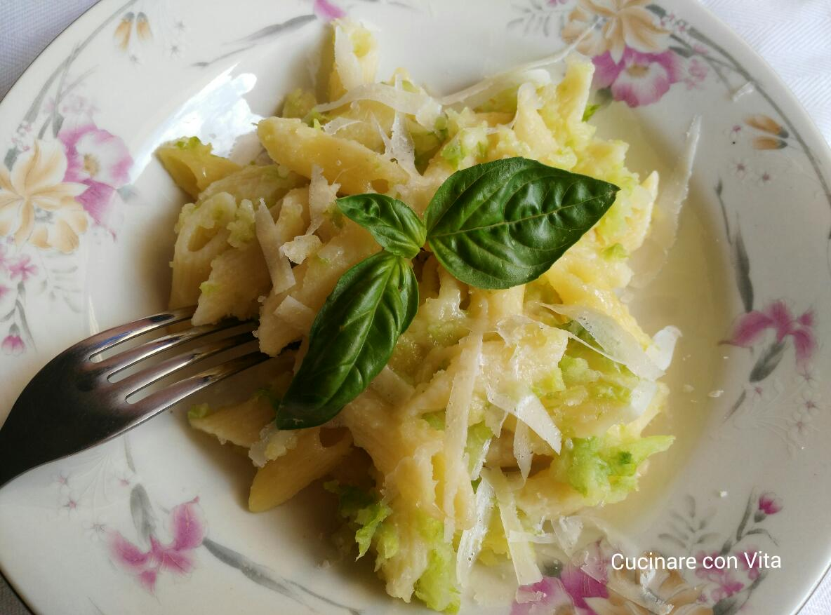 Pasta con patate e verza al forno cucinare con vita for Cucinare wurstel al forno