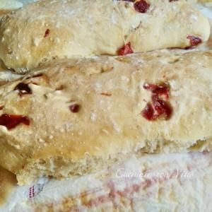 Pane veloce senza impasto ai peperoni