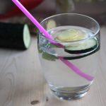 Acqua detox sgonfia pancia perché  fa bene berla
