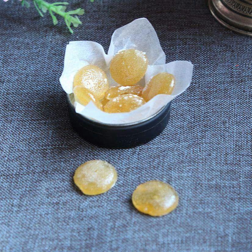 Caramelle per il mal di gola naturali cucinare con vita for Rimedio per il mal di gola