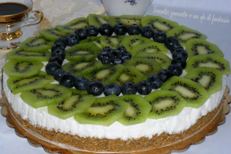 Cheesecake morbida kiwi e mirtilli