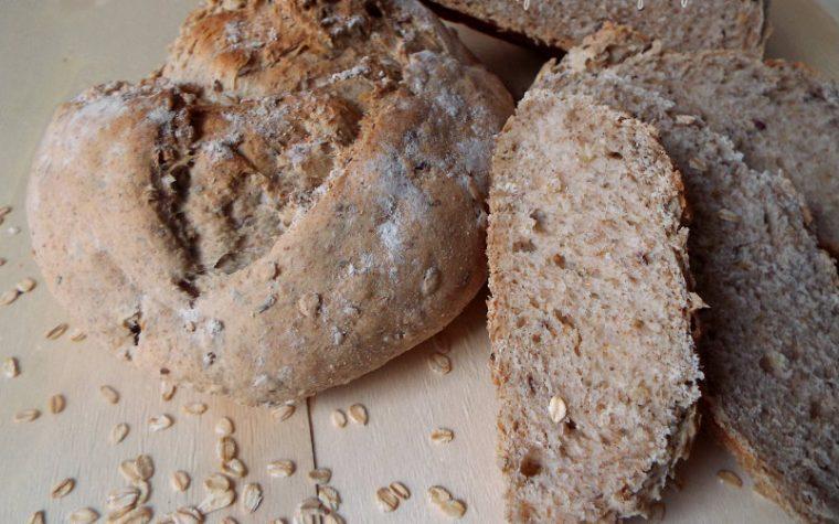 Pane ai fiocchi di avena e semi misti