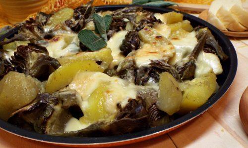Patate, carciofi e scamorza al forno