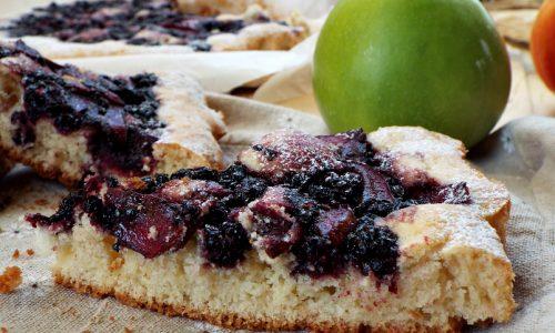 Crostata morbida con more e mela smith