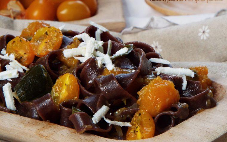 Fettuccine al cacao con zucca e datterino giallo caramellato