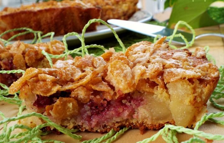 Crostata croccante di mele e frutti rossi