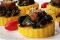Tartine di polenta con broccoli e salsiccia