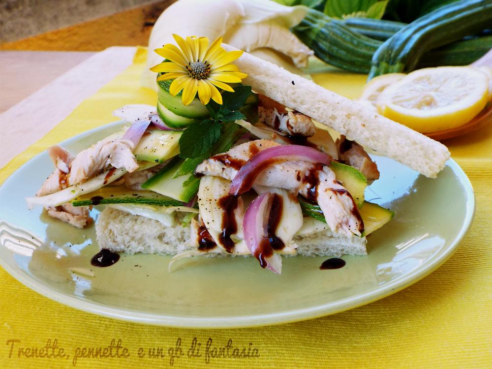 Insalata leggera di finocchi zucchine e pollo