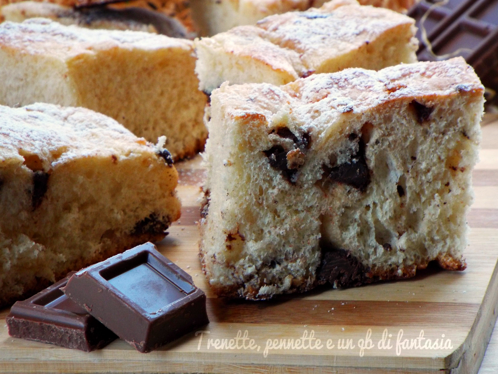 Morbida Focaccia dolce ai due cioccolati