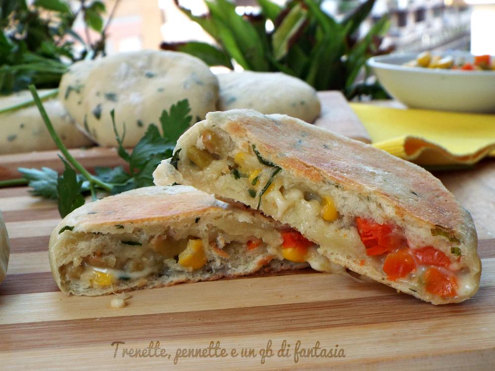 Focacce al prezzemolo con macedonia di verdure..cotte in padella