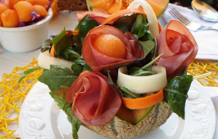 Insalata sfiziosa con melone e carpaccio