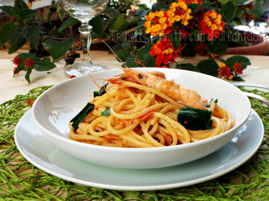 Spaghetti alla chitarra con gamberi e porro ricetta
