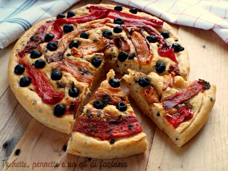 Focaccia brioche sfiziosa olive e peperoni gratinati