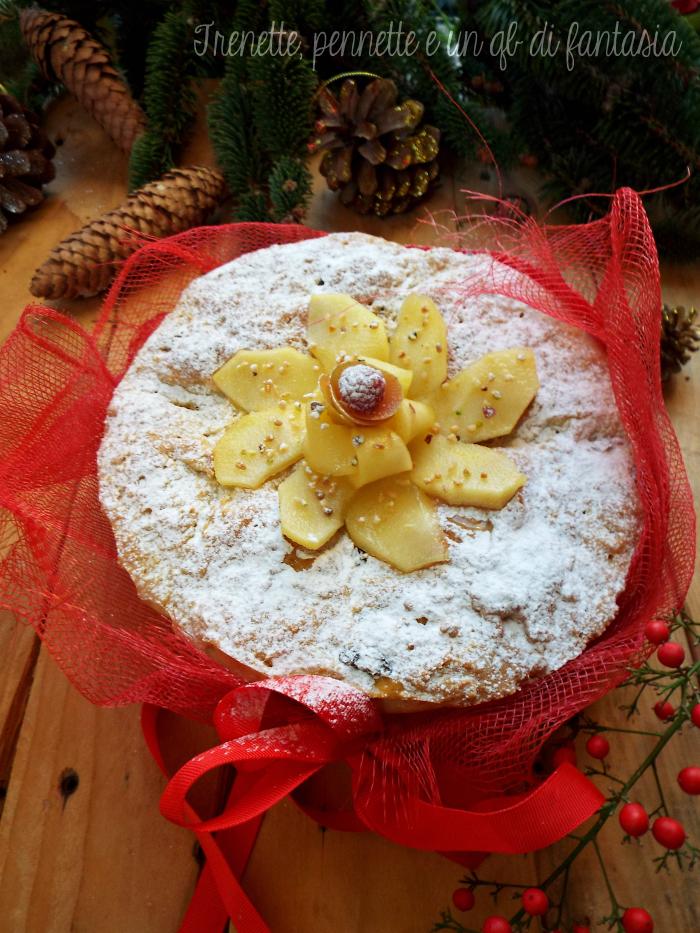 Torta panettone alla mela con uvetta ricetta natalizia