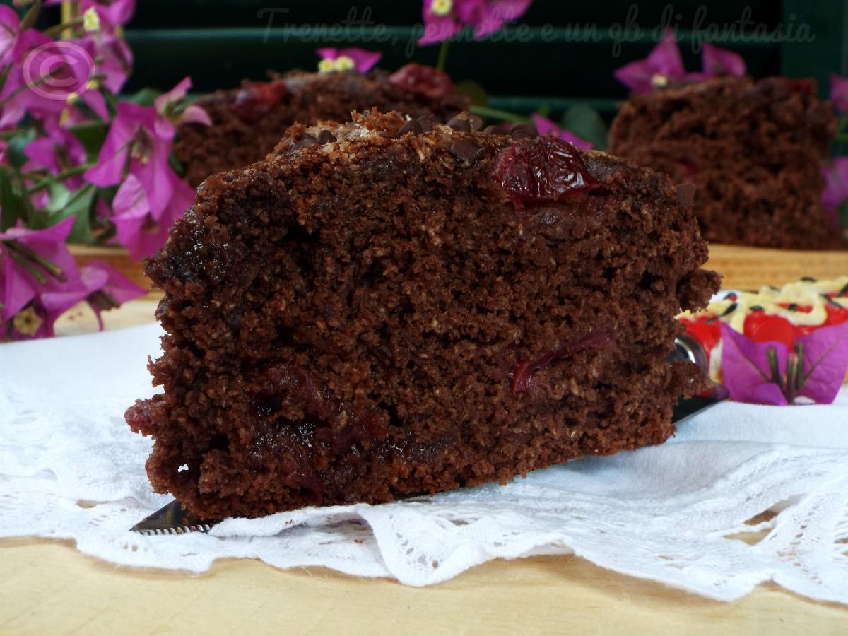 Torta al cacao cocco e ciliegie