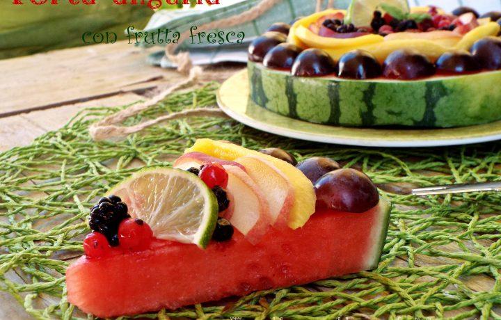 Torta anguria con frutta fresca